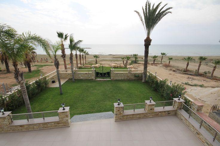 4 bedrooms Villa for sale in Dhekelia Road Larnaca. No JavaScript. No tracking.