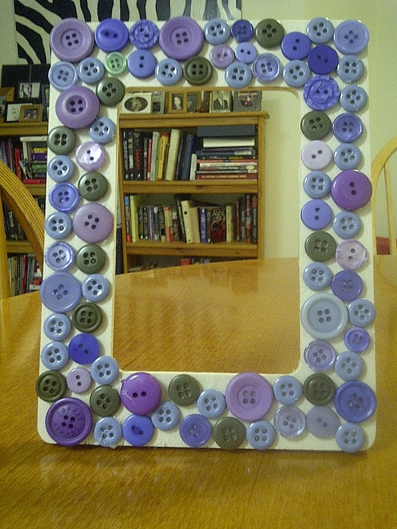 Button Frame by romeonicole on Etsy, $7.00    Make picture frames out of cardboard.