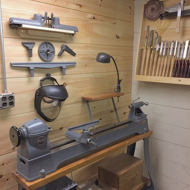 I finished up the last 'to do' item for the lathe area. I move the accessories from a metal storage shelf to the pine wall. #woodwork #woodworking #woodturning