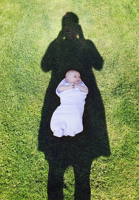 baby and mom shadow