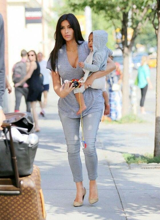 Kim k west & baby nori.....cauuuuuute!!!