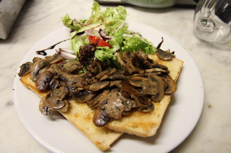 mushroom brushetta