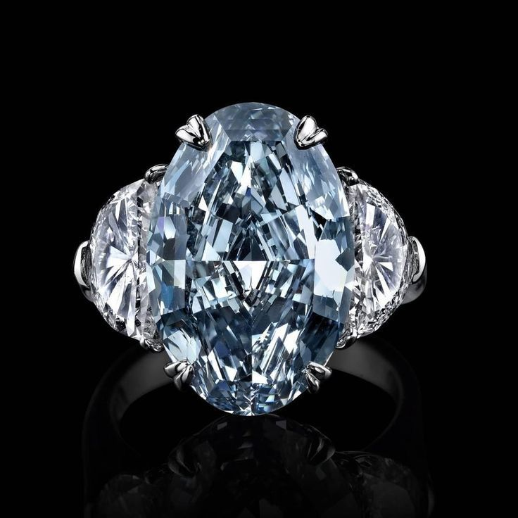 Blue Diamond Platinum: 1000+ Ideas About Blue Diamond Rings On Pinterest