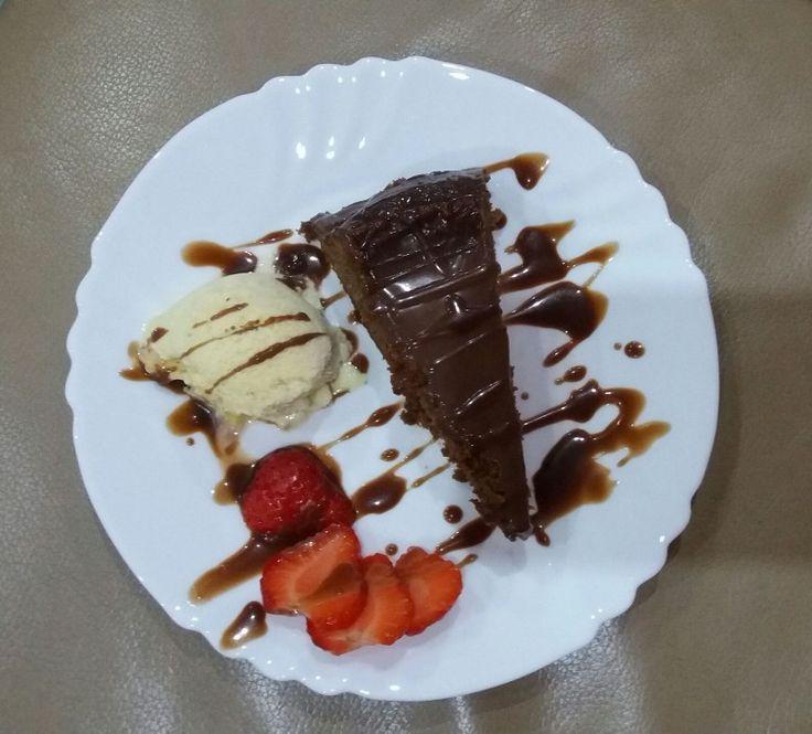 Extra čokoládová torta
