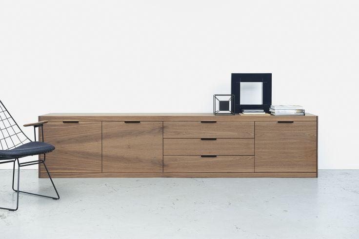 Pastoe | dressoir I-spring | noten fineer #dutchdesign #wood #Design #Naturel #kokwooncenter #201605