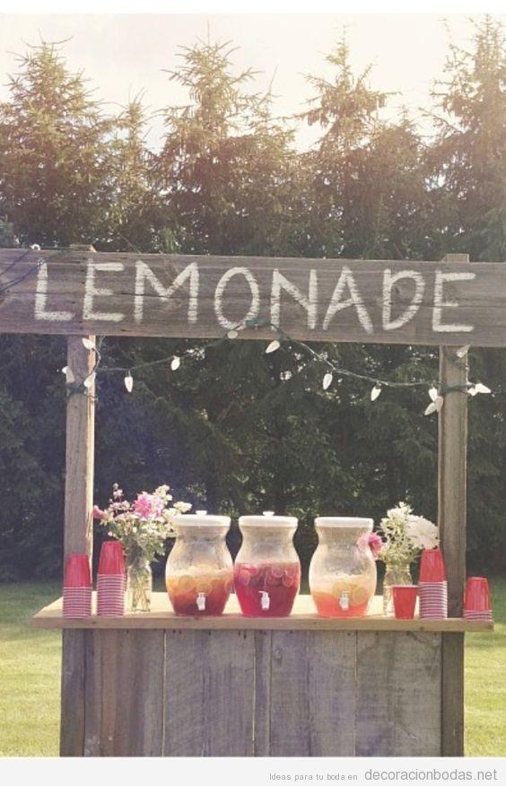 Puesto limonada boda vintage al aire ibre