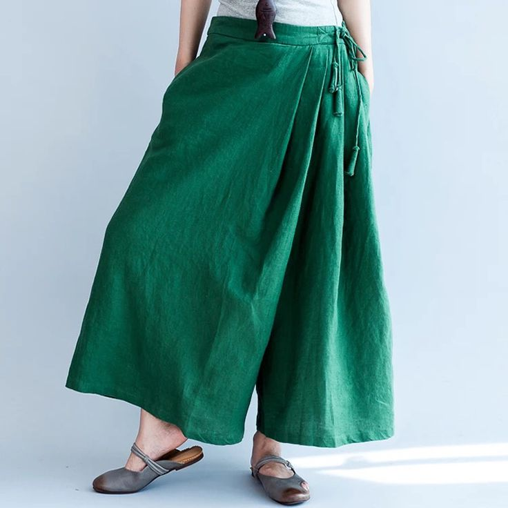Green loose pants