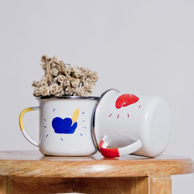 Welcoming the Zwarte Piet and Rudolph The Red Nosed Reindeer's enamel mug for this Christmas!   #cestca #enamelmug #enamel #mug #enamelware #handcraft #handmade #christmas #gift #giftideas