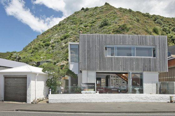 Bliss in the Bay-Stunning ocean-front beach house in Seatoun, Wellington City | Bookabach