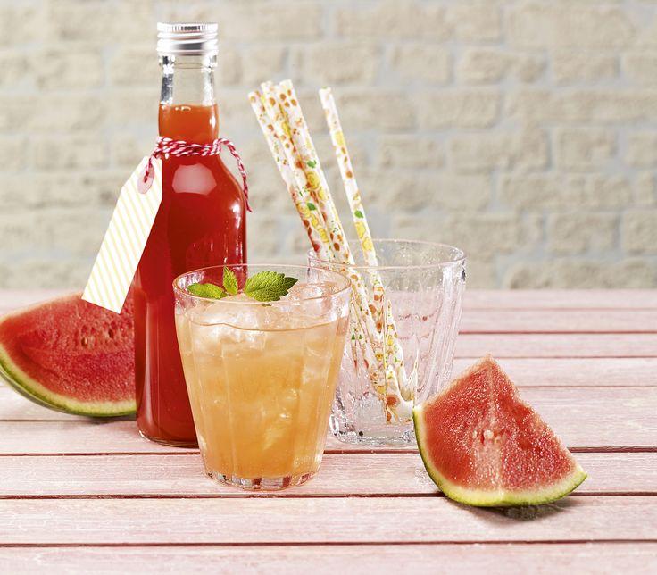 Für einmal etwas weniger süss, jedoch wunderbar fruchtig kommt dieser Sirup daher – eine gute Möglichkeit das sommerliche Aroma von Melonen zu konservieren.