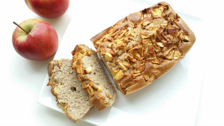 Op zoek naar een tussendoortje of ontbijt? Anna deelt haar recept voor een heerlijk bananenbrood dat smaakt naar appeltaart! Wat wil een Fit Girl nog meer?!