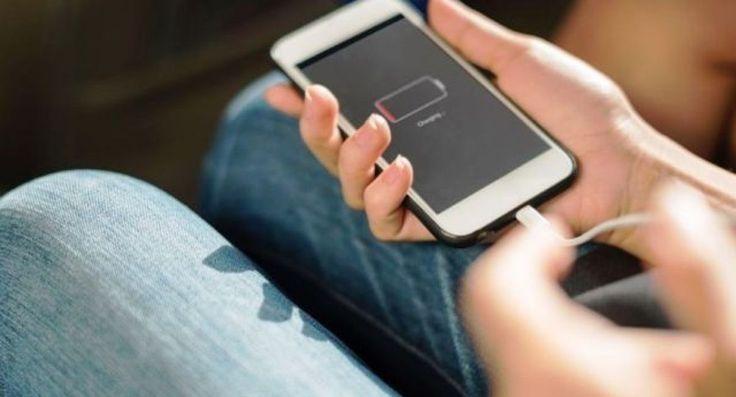 """Cómo combatir las apps """"chupasangre"""" de Android http://www.fm899.com.ar/noticias/tecnologia-10/como-combatir-las-apps-chupasangre-de-android-42390"""