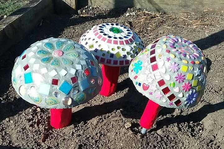 Mosaic garden/fairy mushrooms.