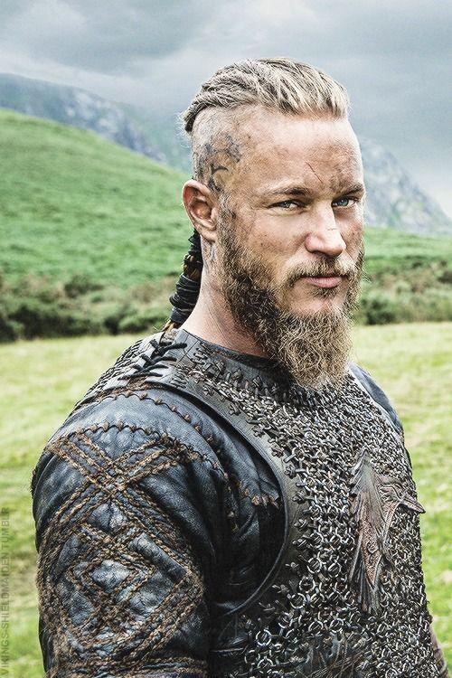 17 Best ideas about Ragnar Lothbrok Vikings on Pinterest ...