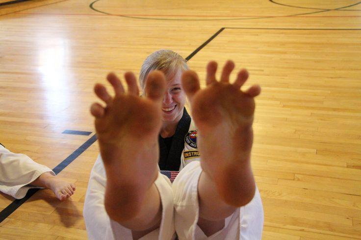 Risultati immagini per deviantart. woman taekwondo