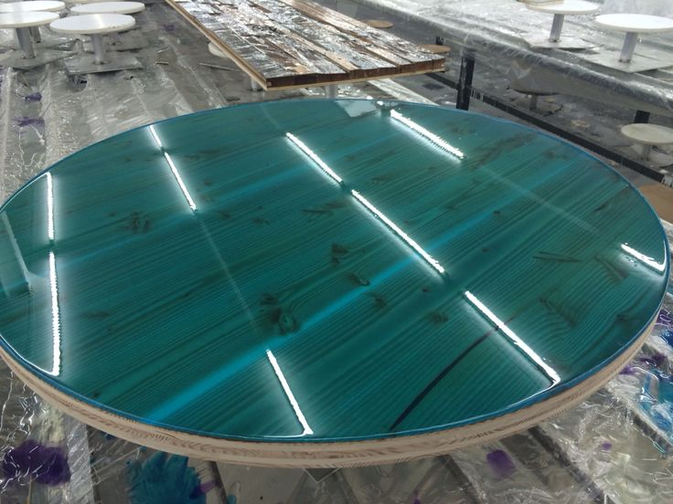 Douglas round tabletop for Satelliet Breda with colour coating Intense blue