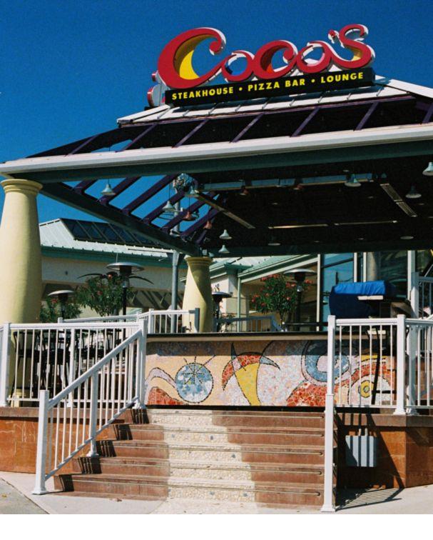 Coco's Patio Bar Table - Niagara Falls, Canada