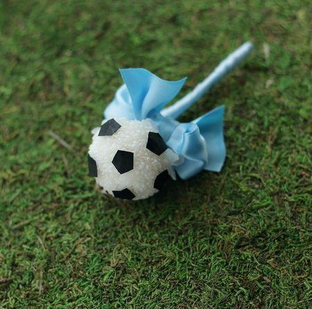 川崎フロンターレのサッカーボールのブーケ と ブートニア 横浜へ : 一会 ウエディングの花