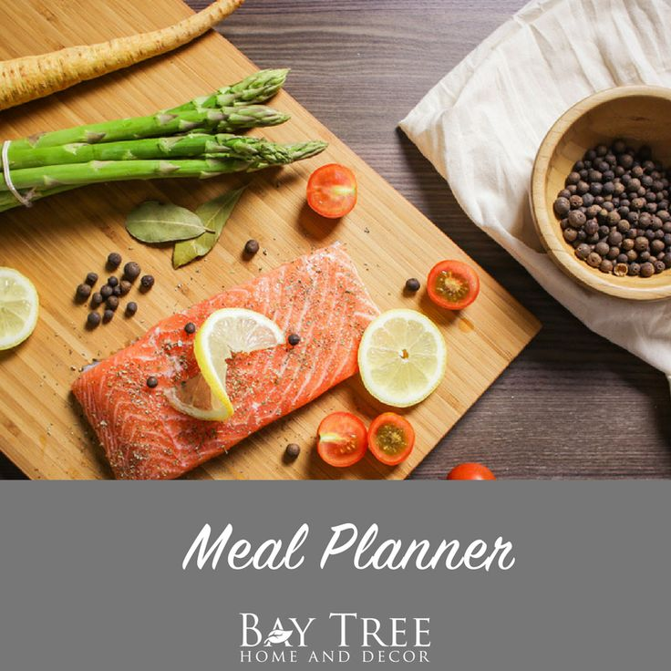 Meal Planner {Free Printable} -Ever need help organizing what to eat when? Now a free meal planner to help you plan ahead.