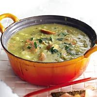 Hollandse erwtensoep - Dutch split pea soup with smoked sausage.