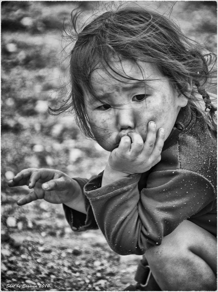 Little girl in Gobi Altaï, Mongolia by Erawan BrokenTale