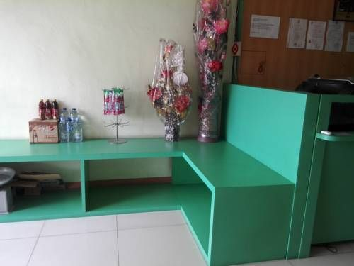 Wisma Bunda Deli Medan Wisma Bunda Deli offers accommodation in Sunggal.  Certain rooms include a seating area to relax in after a busy day. A flat-screen TV is provided.  You will find a 24-hour front desk at the property.  The guest house also offers car hire.