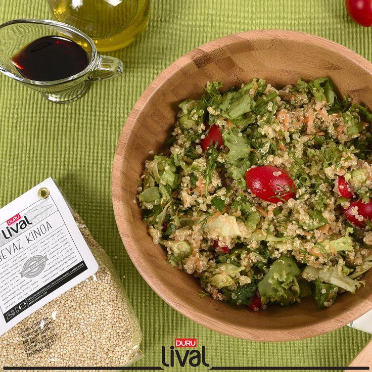 Hem kolay hem de oldukça lezzetli ve sağlıklı olan bu salatayı diyetlerinizde mutlaka öneriyoruz. #kinoa #kinoasalatası #sağlıklıdünyalezzetleri #durubulgur #quinoa
