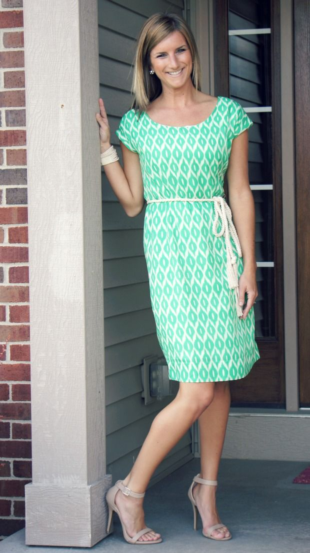 Living In Yellow: Stitch Fix: The Kept Items. Love her shoe choice; dress is per