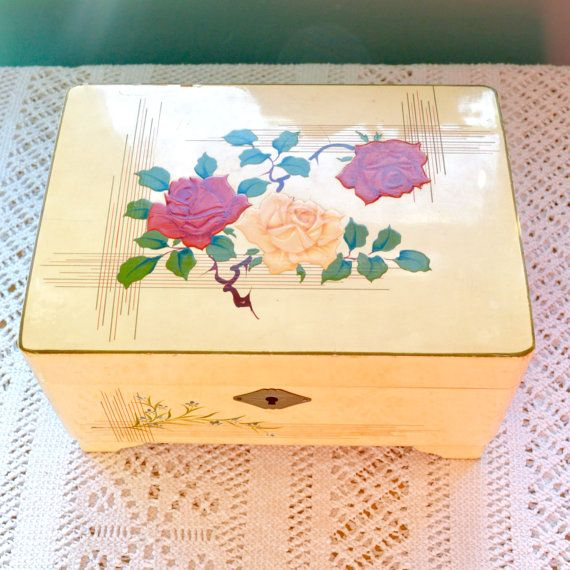 Vintage Lacquered Wood Musical Jewellery Box Cream with by TeaJay