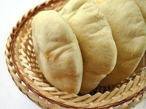 Пита.Приготовив тахини кунжутную пасту я вошла во вкус и взялась за другие популярные восточные блюда. Следующей на очереди оказалась пита оригинальная лепешка похожая на надувную подуш...