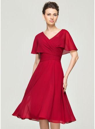 A-Line/Princess V-neck Knee-Length Chiffon Cocktail Dress With Ruffle (016111361)