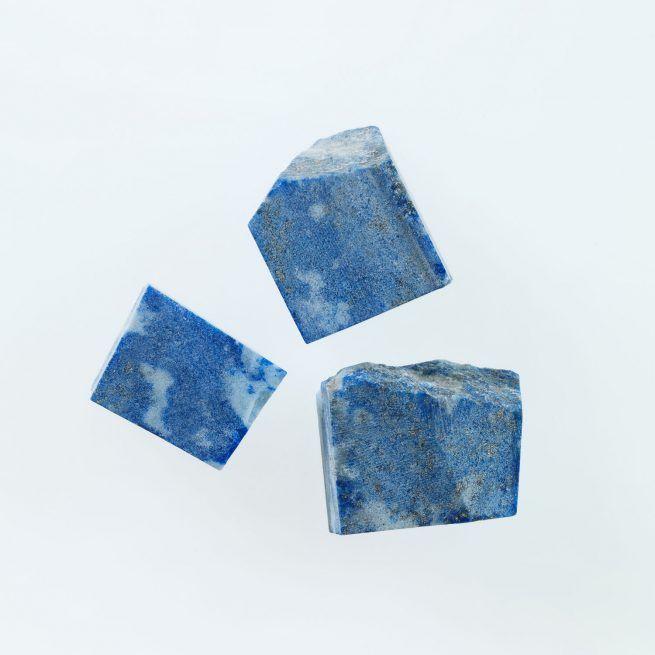 Lapis Lazuli Pierre Bleu Pyrite Considere Comme La Representation Du Ciel Etoile Le Lapis Lazuli Symbolise La Pur Pierre Precieuse Lapis Lazuli Deesse Grecque