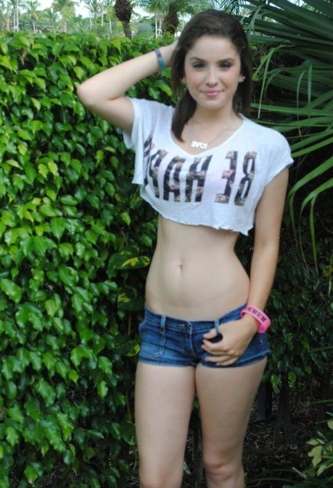Cut redhead girl from young fatties ass and