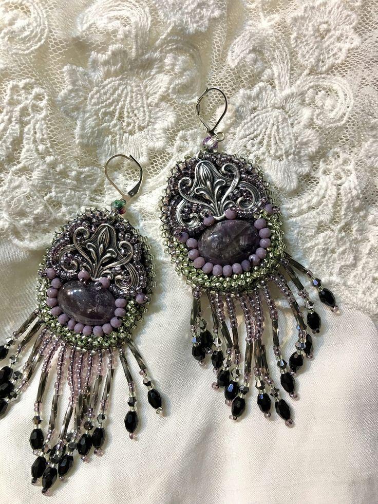 boucles d'oreilles améthyste perles cristal  et perles de rocaille de la boutique larecherchedeMrDarcy sur Etsy