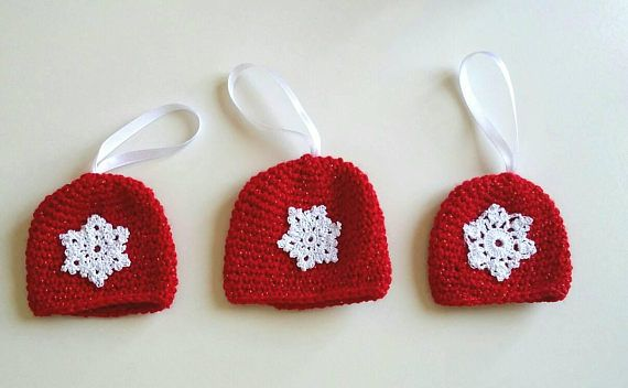 Pack of three christmas ornaments//christmas beannies//red and