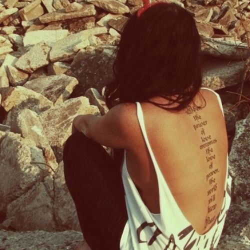 35 Ultra Sexy Back Tattoos for Women: