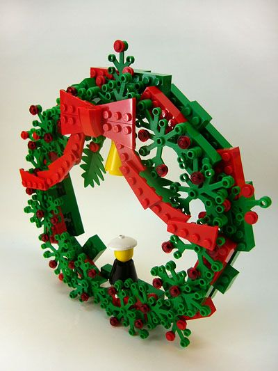 LEGO Wreath. Great use of foliage pieces. Cute to put on a boy's bedroom door.