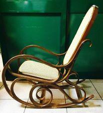 Sedia dondolo poltrona in legno paglia di Vienna anni '70 VINTAGE MODERNARIATO