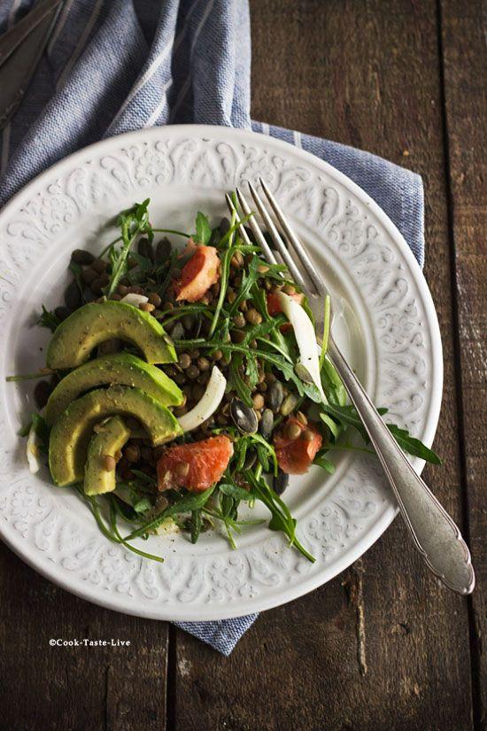 Σαλάτα με φακές, αβοκάντο και φινόκιο