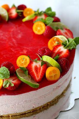 Kakkuviikarin vispailuja!: Vaniljainen mansikkajuustokakku