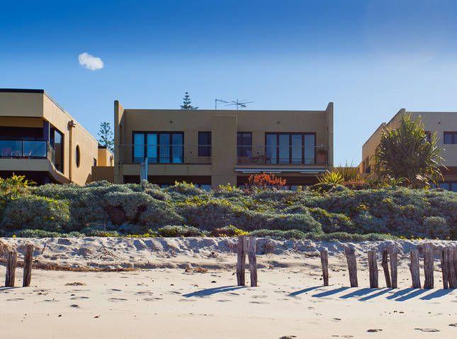 Rayners Absolute Beachfront, a Lennox Head House | Stayz