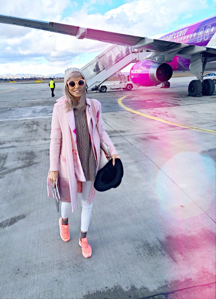 On our way to Amsterdam #acgoestoamsterdam wearing #ingridteodosiu blazer & coat, nike air max thea & Vans sunnies