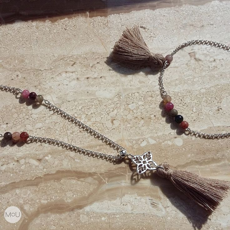 Necklace and bracelet with lace rosette, tiny tourmaline balls and a beige fringe by MOU