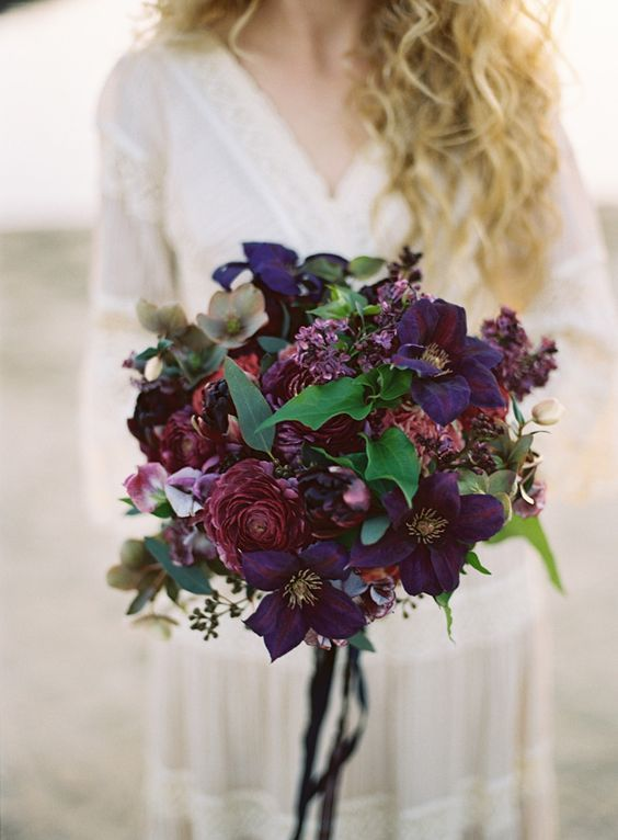 Dark purple wedding bouquet for fall wedding