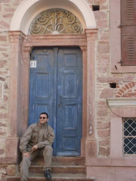 Tarihi yel değirmenlerini görmeden... Daha fazla bilgi ve fotoğraf için; http://www.geziyorum.net/cunda-gezisi-bolum-3/