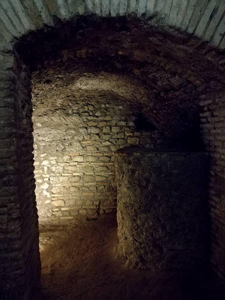 Passeggiando per Roma.  Case romane al Celio