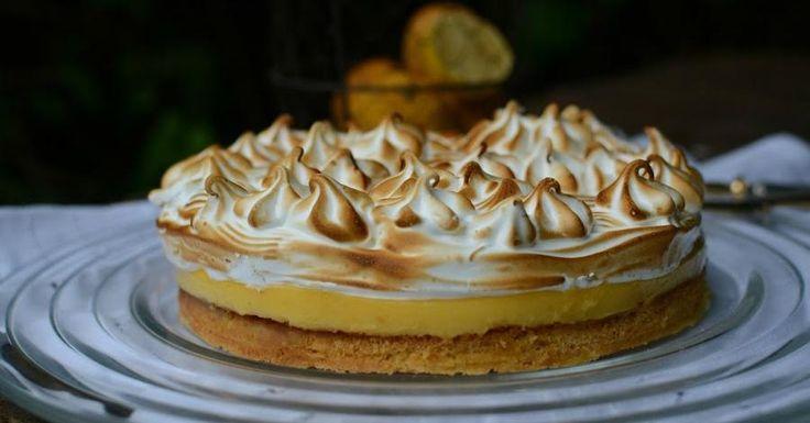 Pastel de limón con masa sablé y merengue suizo