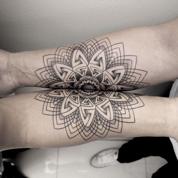 tattoo mandala geometric line arm symmetric tattoo pinterest mandalas berlin. Black Bedroom Furniture Sets. Home Design Ideas