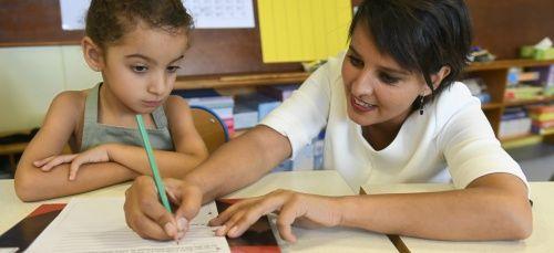 Auteure en décembre 2015 d'une lettre ouverte à la ministre de l'Éducation nationale Najat Vallaud-Belkacem qui avait trouvé un large écho, la professeure Charlotte Magri approfondit en cette rentrée ses réflexions sur l'école. Entretien.