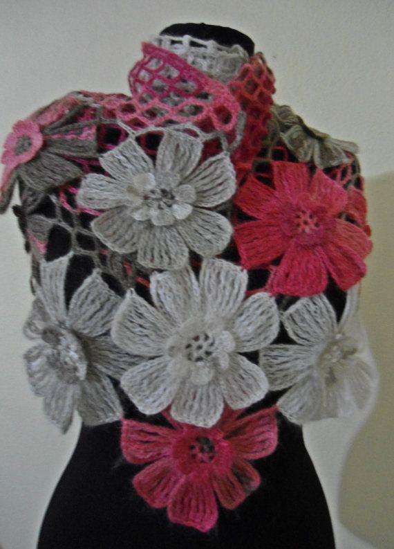 Ready to ship flower shawl por likeknitting en Etsy